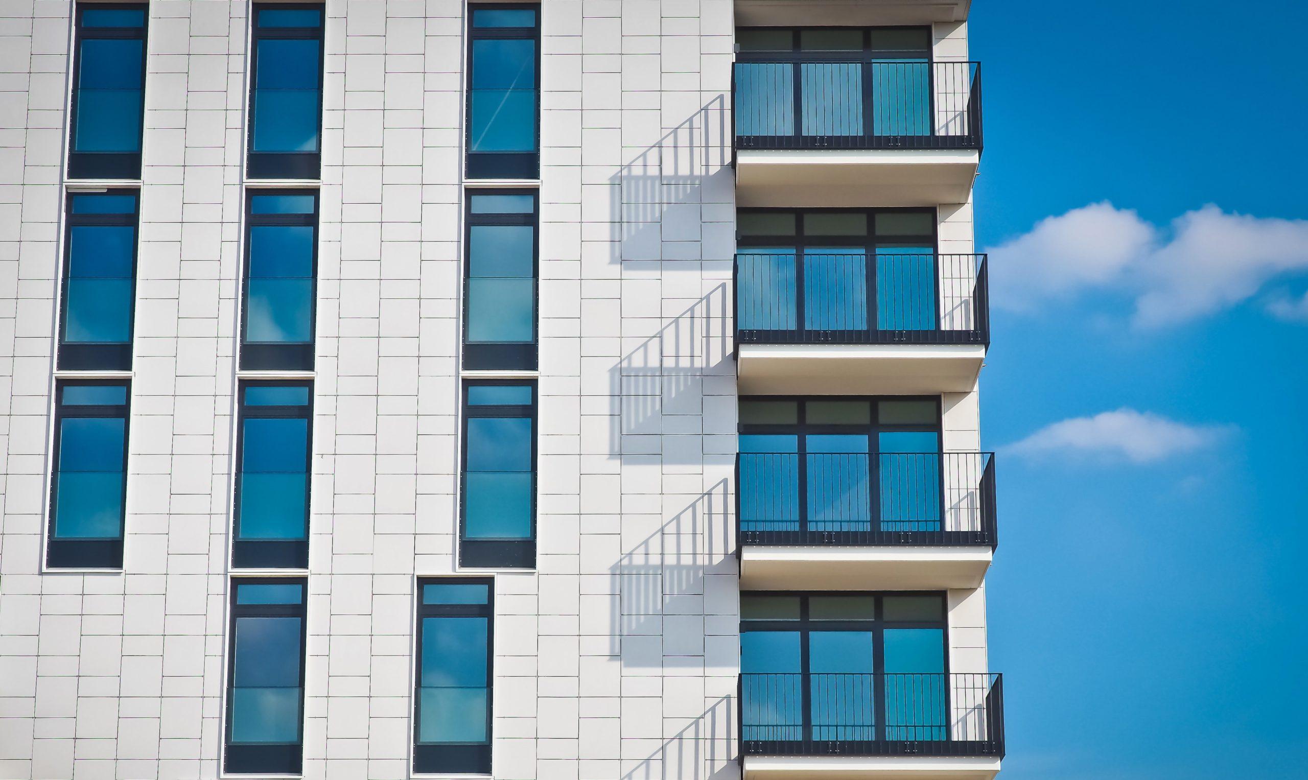 Zákonné záložné právo vlastníkov bytov v dome a jeho výkon